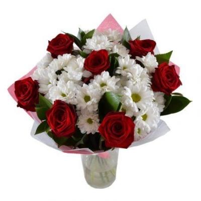 Букет розы и хризантемы