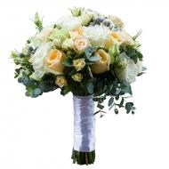 Букет из роз, кустовых роз и эустом