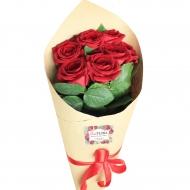 Букет 7 роз в крафт-бумаге